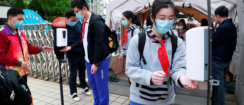 चीनमा कोरोना भाइरस संक्रमणको दोस्रो लहर फैलिने खतरा बेइजिङका स्कुल, खेल र मनोरञ्जन स्थल बन्द