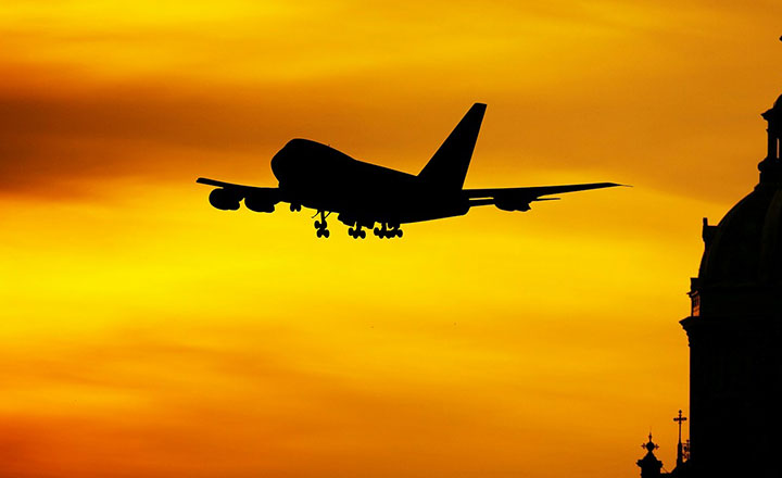 शर्तसहित आन्तरिक तथा अन्तरराष्ट्रिय उडान सञ्चालन हुने